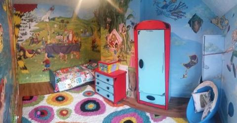 Комната 2-летней девочки была отвратительной и безвкусной, пока ее мать не сделала ЭТО… Героический поступок!