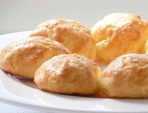 французские заварные булочки с сыром