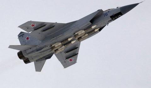Два модернизированных МиГ-31…