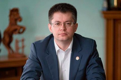 Перипетии политической жизни Кузбасса. Теперь после С.К. Носова Д.В. Исламов