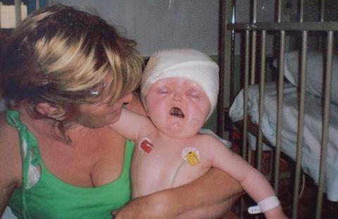 Живая «сломанная кукла» Кира Йейтс