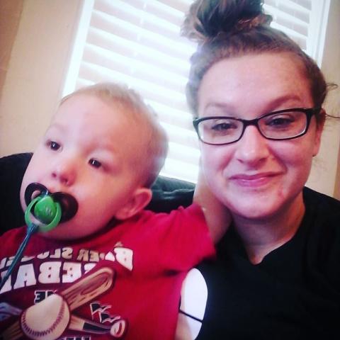 Через один год после передозировки наркотиками: молодая мать кардинально изменила свою жизнь!