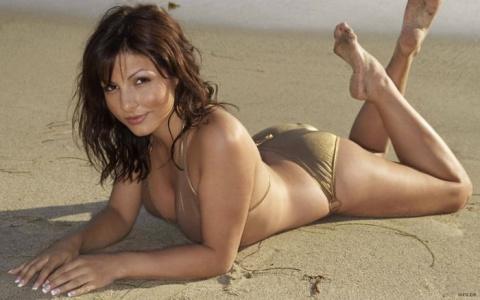 Девушки на пляже (40 фото)