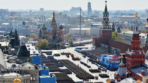 Лоро: 9 Мая Путин доказал - Россия может противостоять любому давлению