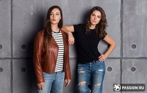 Элегантные платья и рваные джинсы: Екатерина Андреева выглядит ровесницей 34-летней дочери