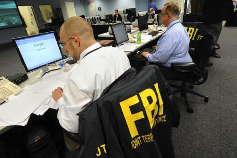 Соцсети доложат в ФБР