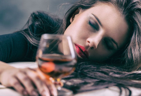 Гороскоп: как ведут себя пьяные представители различных знаков зодиака