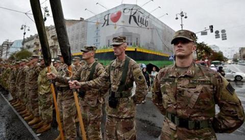 Киев разрешил допуск иностра…