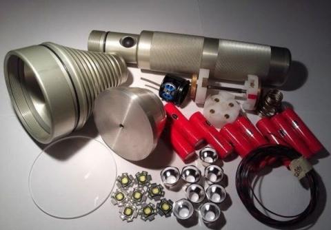 Изобретатель создал светодиодный фонарь со световым потоком в 18000 люмен