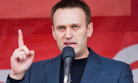 Навальный паникует: ФБК брос…