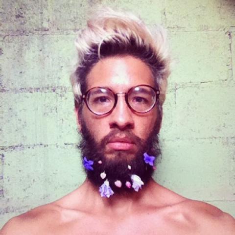 Украсим бороду цветами