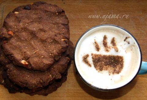 Американское печенье с солёными орехами