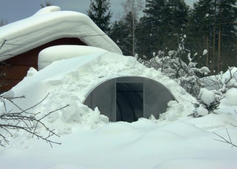 Личный опыт: стоит ли укреплять теплицу на зиму?