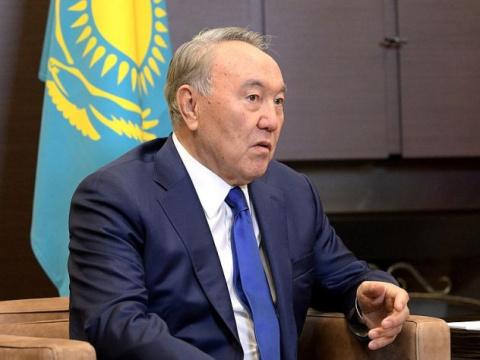 Назарбаев заключил договоры с конкурентами российских кампаний