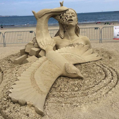 Удивительный скульптуры из песка