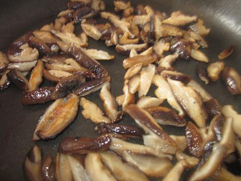 Кальмары с грибами по китайским мотивам