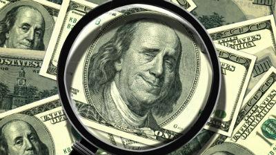 Директор столичной типографии напечатал полмиллиона фальшивых долларов