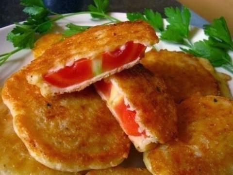 Жареные без масла помидоры в сырном кляре