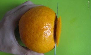 Как съесть мандарин, не снимая кожуру