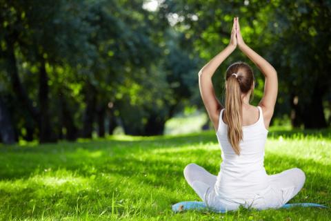 3 упражнения из йоги для иде…