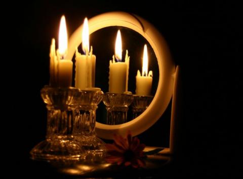 Как приготовить магическую свечу в домашних условиях..