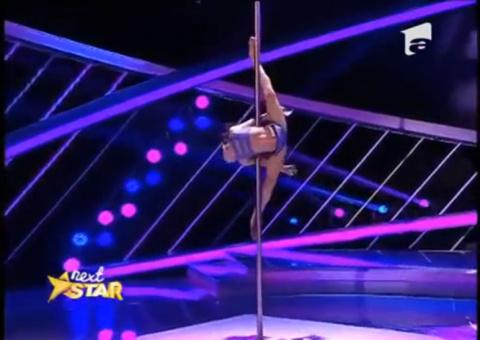 8 летняя гимнастка удивила судей