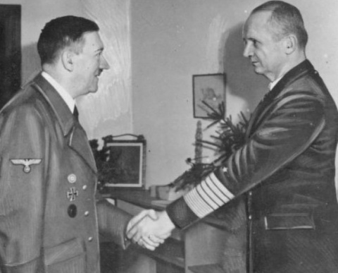 Кого Гитлер назначил своим п…