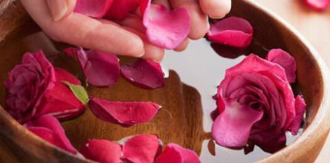 Как приготовить розовую воду. Рецепт