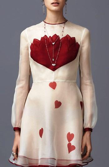 Завораживающая коллекция Valentino Pre-Fall 2016: тема Востока раскрыта просто божественно!