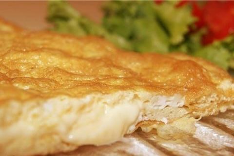 Самый воздушный омлет с сыром