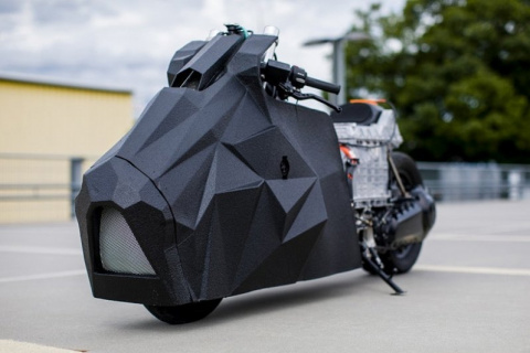 Электрический драгбайк BMW C…