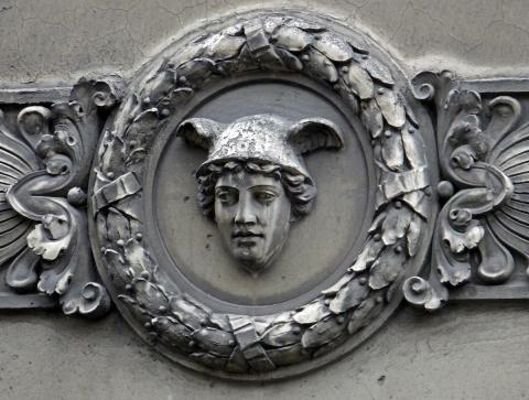 Маскароны в архитектуре Петербурга
