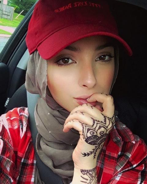 На ваш взгляд, хиджаб - это красиво?