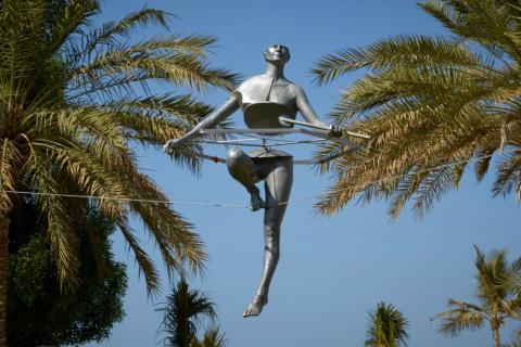 Парящие скульптуры