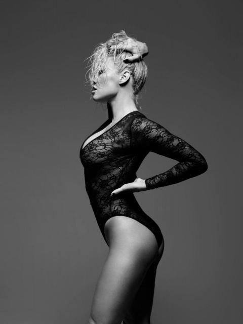 49-летняя Памела Андерсон снялась в шикарной рекламе нижнего белья