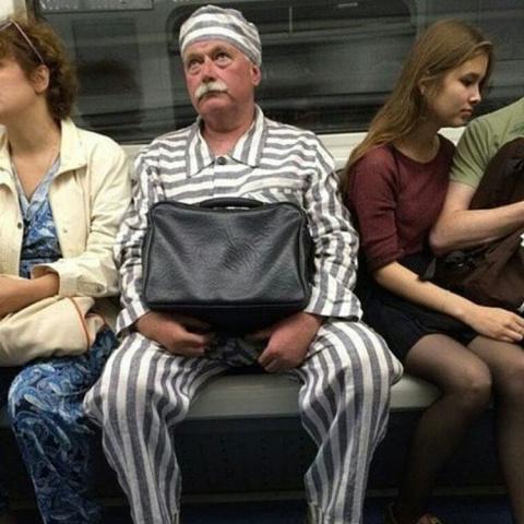 Яркие модники московского метро