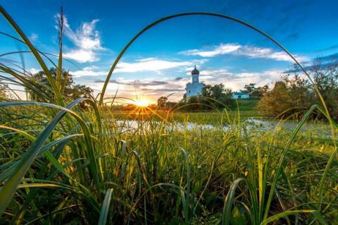 Боголюбовский луг – церковь Покрова на Нерли в Суздальском районе Владимирской области