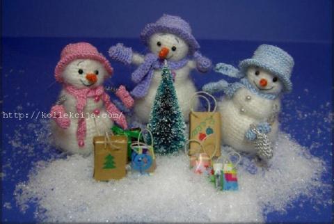 Снеговики  и снежинки  крючком. Ну очень симпатичные! Видео мастер-классы.