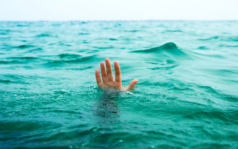 Муж оттолкнул жену, чтобы спастись самому... В чем была причина ужасного поступка?