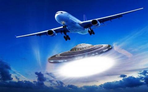 НЛО преследует российские ис…