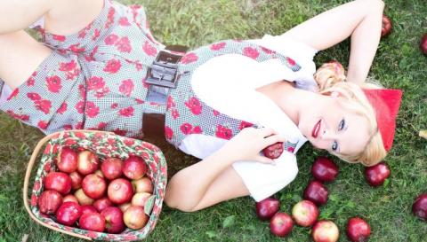 Диета трех продуктов: овсянка – творог – яблоко.