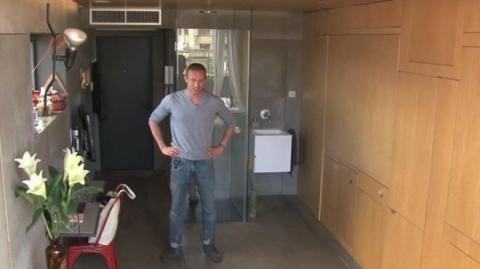 То, что он сделал из квартиры площадью 24 кв.метра. восхищает!