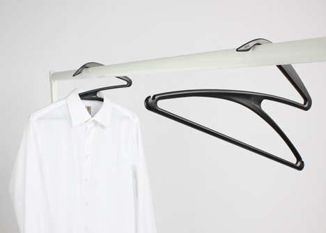 Вешалка для одежды в форме Зю
