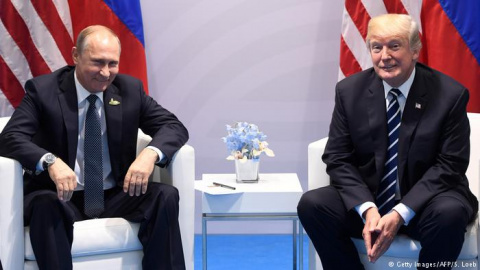 Комментарий: Трамп проиграл Путину, но Порошенко не сдал
