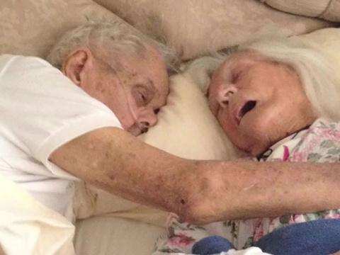 После 75 лет брака эта пара …