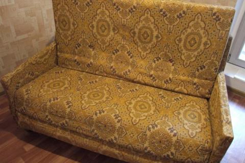 """У всех кризис, а у нас красота!"" Преображение советского дивана"