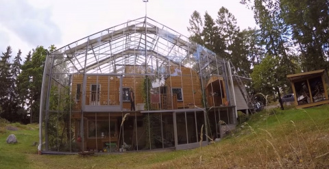 Супруги из Швеции построили …