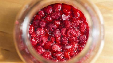 Посадим лето в банку .Варенье без сахара. В чем его польза и как его приготовить?