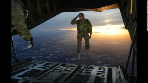 50 военных фото, поражающих тем, насколько вовремя они сделаны