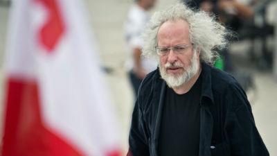 Суд отклонил жалобу главреда «Эха Москвы» на предупреждение Роскомнадзора